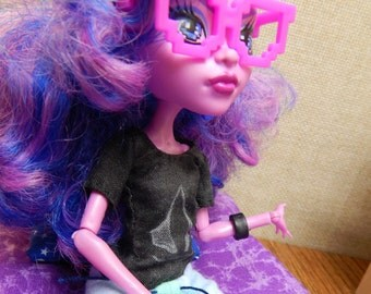 Monster High doll clothes--customizable shirt