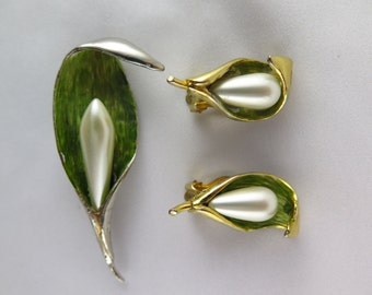 Vintage Signed Hattie Carnegie, Calla Lilly Brooch and Earring Set