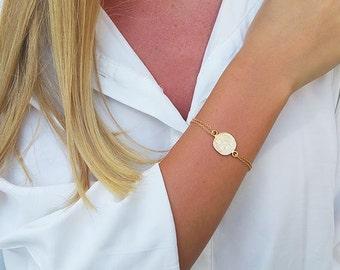 Gold coin bracelet, Gold bracelet, Chain bracelet, Stackable bracelets, Dainty charm bracelet, Coin jewelry, Bracelet gift, Pendant bracelet
