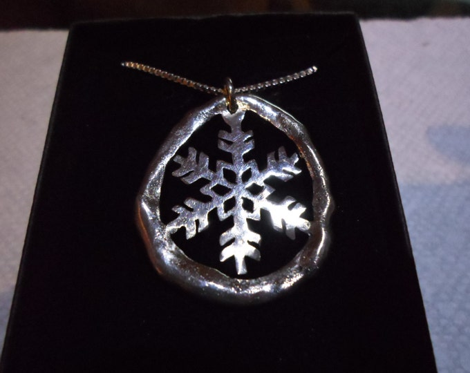 "large 1  3/8""- 1  1/8"" melted snowflake w/20"" sterling silver box chain"