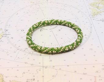 Roll-On Bead Crochet Bracelet (Hunter Green and Tan)
