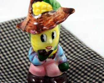 Anthropomorphic corn cob salt shaker-vintage kitchen kitsch-collectible-made in Japan-straw hat