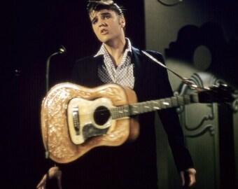 Elvis Presley - Elvis on stage in the 1950's