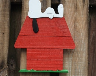 Snoopy on his Doghouse wall decor