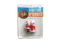 Miniature Santa and Mrs Claus Plastic Craft Figurines, Mother and Father Christmas, Kissing Mr and Mrs Claus Miniature Christmas Decorations