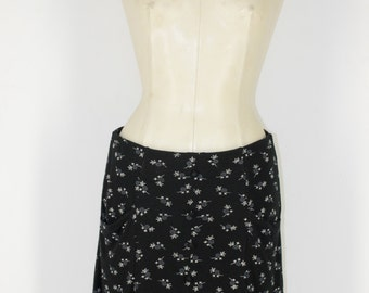 Black skirt with flowers size M