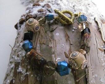 Beaded bracelet,  bracelet, blue bracelet, gold bracelet, resin bracelet, gift, present, stocking stuffer
