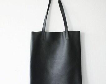 ANYA - Basic Black Leather Tote Bag
