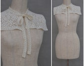 Vintage Collar, Ladies 80's lace collar, Cream floral lace shoulder fill-in / Sailor collar, Victorian / Edwardian style, Wedding collar