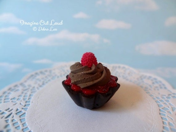 Fake Cake Tart Tartelette Mini Dessert Raspberry Chocolate Cream SINGLE