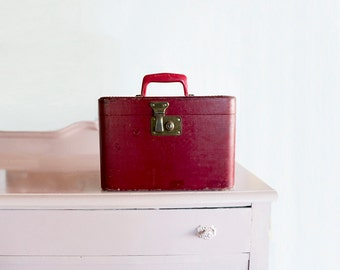 Red Train Case Red Luggage Small Suitcase Retro Luggage 50s Suitcase Old Retro Travel Cosmetics Case
