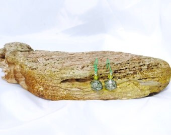 Stunning  green crystal  style  bead earings