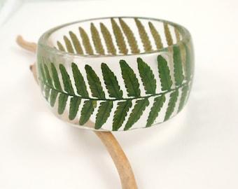 Green Fern Resin Bangle Bracelet, Real Flower Resin Bracelet, Eco Resin Bangle, Nature bangle, Plant Bracelet, Pessed flower Size M