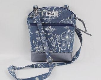 Cross Body White flower Silver Vinyl Shoulder Hipster zipper bag, adjustable strap with zippered closure,  zipper/slip pockets, small bag