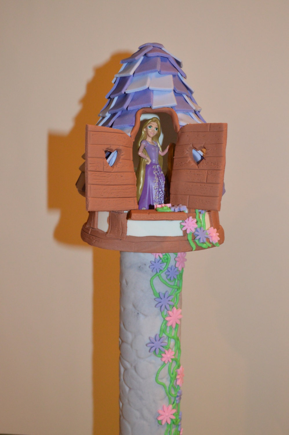 How To Make A Rapunzel Tower Cake Topper