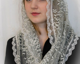EVINTAGE Chapel Veil Mantilla Infinity Veil Latin Mass Ivory and Black Lace