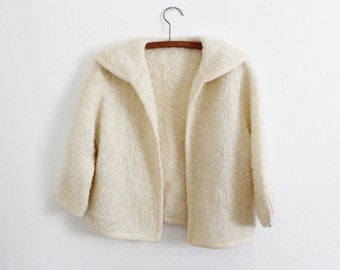 Sakri - Knit Sweater - Cream -Collar