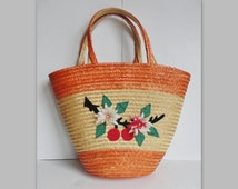 50s Straw Bag With Plastic Flowers // Orange And Natural Straw // Beach Bag // Shopping Bag // Hand Bag