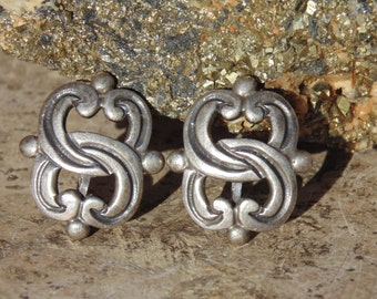 Maximiliano Mondragon ~ Vintage Taxco 980 Silver Screw Back Earrings