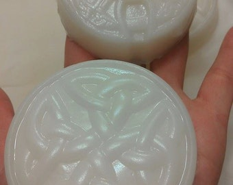 Grapefruit Rosemary  Shea Butter Blend Handcrafted Celtic Knot Soap Bars / 3.5 Oz Round Soap Bar / Handcrafted Soap Bar