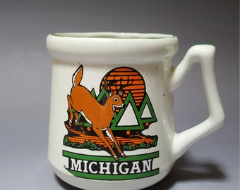 Michigan mug vintage 1970s Lipco with white tail deer, pine trees sunset and state facts