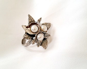 SALE! Silver flower ring with pearls , sterling silver ring , freshwater pearl ring , pearl ring , flower silver ring , unique ring