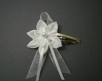 White wedding flower hair clip baptism ceremony child, woman, mother, big sister, godmother ..