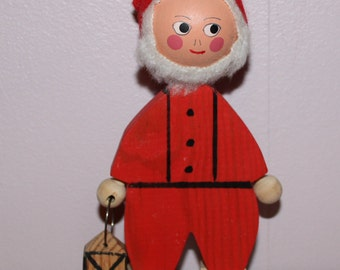 Nice vintage wooden folk art handicraft Figurine: Santa Claus with lantern. Made in Sweden Scandinaviasn