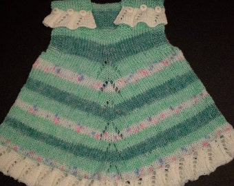 Green print baby jumper/top