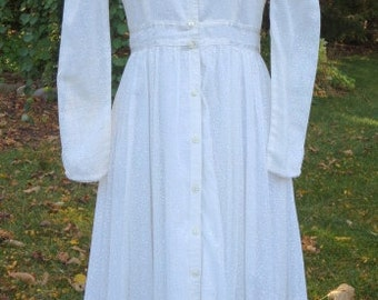 Vintage 1970 Gunne Sax Off White Calf Length Dress