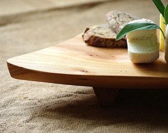 Fromage plateau - planche de service - nourriture présentation - pomme bois - forme organique - mariage cadeau - - minimaliste décor rustique - planche à fromage
