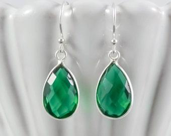 Emerald Green Earrings, Sterling Silver Green Quartz Earrings, Emerald Green Drop Earrings, Green Dangle Earrings, Green Gemstone Earrings