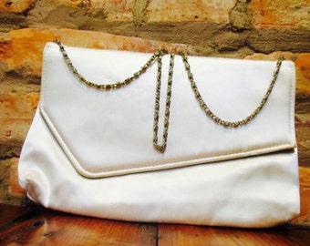SALE Vintage Clutch • 80s Purse • White Satin Purse • Hide Away Chain • Wedding Envelope Clutch • 80s Asymmetrical Evening Bag Towanny Clasp