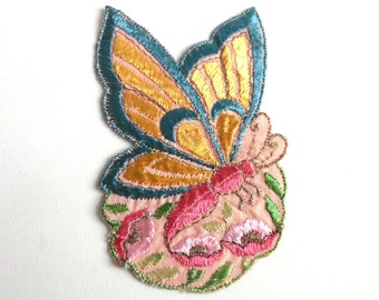 Applique, butterfly applique, 1930s vintage embroidered applique. Vintage floral patch, sewing supply. #5E6GCCK8