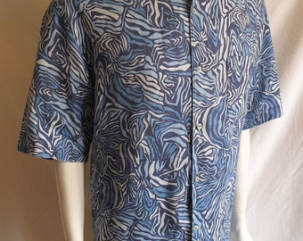Fabulous shades of blue vintage short sleeve summer shirt by Zegna Sport made from 100% linen