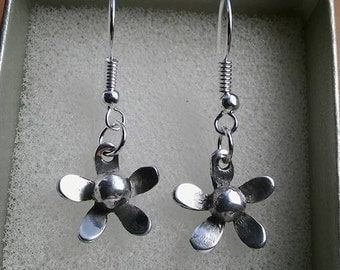 Silver Earrings, Sterling silver earrings, Silver Flower earrings, Dangle earrings, Drop earrings, Bridesmaid, Mothers day or Birthday gift