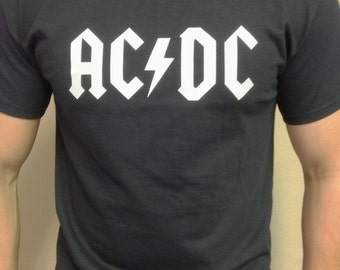 AC-DC T-shirt 100 % Cotton and 1 stisker Free
