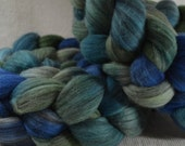 SALE 20% OFF Hand Dyed Mixed Merino Black and White Combed Top for Spinning Yarn Hollow Sea Greens Multi Color