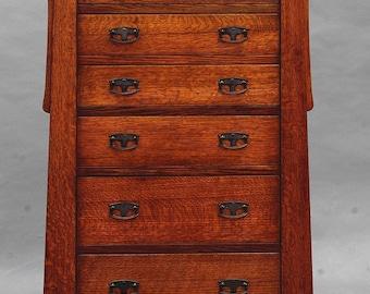 MACKINTOSH, ARTS & CRAFTS, Quartersawn Oak 6 Drawer Lingerie, Linen Chest / Child's Dresser