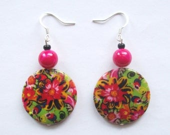 TROPICANA - Round Shell Earrings with Tropical Flowers - Summer Jewelry