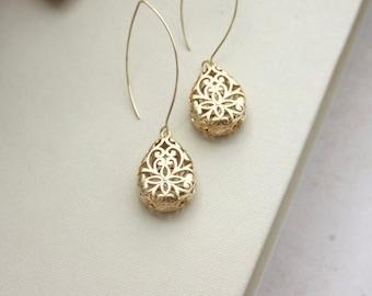 Boho Earrings, Gypsy Gold Teardrop Earrings. Gold Teardrop Dangle Earrings, Long Dangle, Boho Wedding,Filigree. Bridesmaid Gift, Bohemian