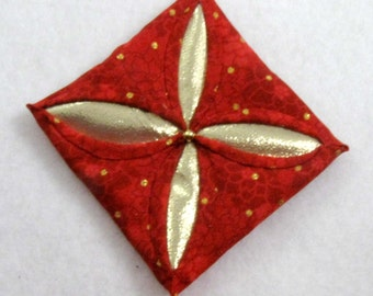 Red  and Gold Cathedral Window Quilted Christmas Ornament 142