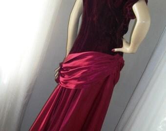 1930s Deep Garnet Velvet and Cranberry Satin Gown Size M