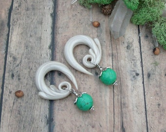 Ornate Green Turquoise Bud Drop Gauged Earring Plugs