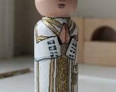 "Priest Peg Doll 3 1/2"" Large Size White Vestments"