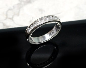 Diamond Wedding Band 14k White Gold with Approx. 1 CTTW