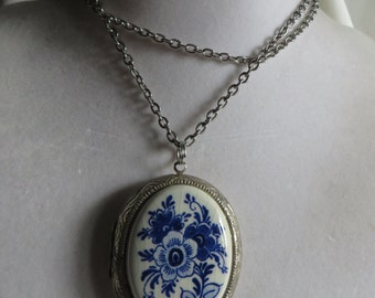 "23"" Vintage Locket Necklace"