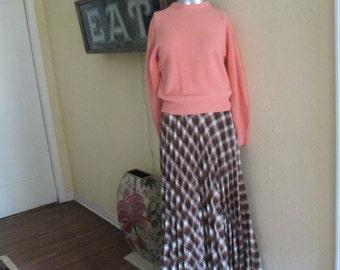 60s Salmon Pullover Women Sweater / Vintage Medium Wool Sweater May Co