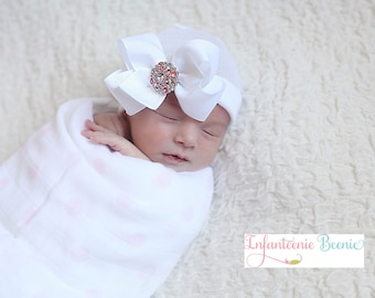 white baby hat, white baby bow, white newborn hat or pink baby hat, pink baby bow, baby girl newborn hat, baby girl newborn hospital hat