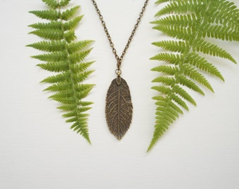 Leaf necklace. Antique bronze. Fall jewelry. Autumn long necklace. Foliage. Leaf charm pendant. Nature necklace. Woodland
